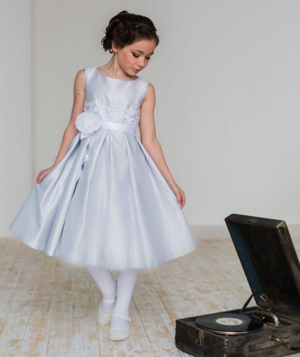 нарядное платье для девочки с кружевом