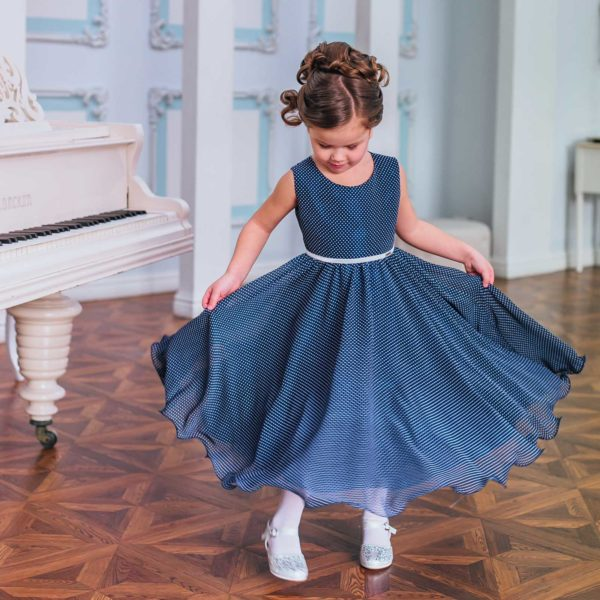 нарядное платье для девочки шифон горошек синее