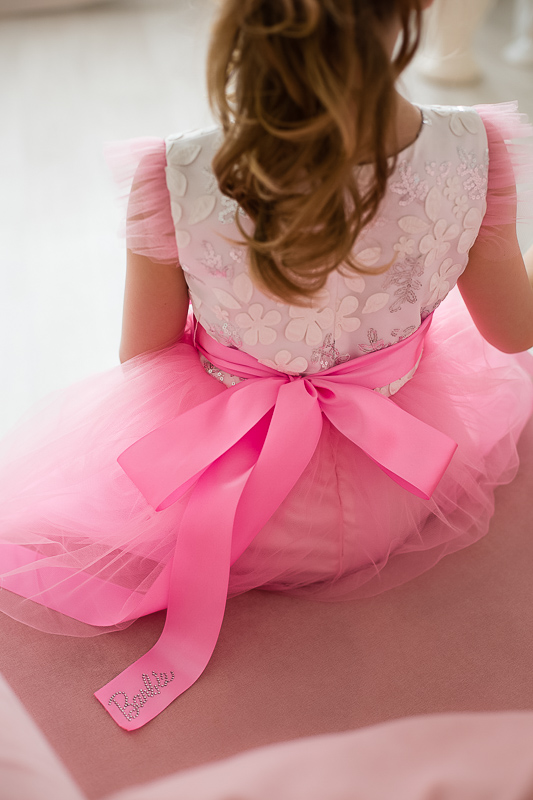 шикарное розовое платье с пайетками +для девочки Barbie