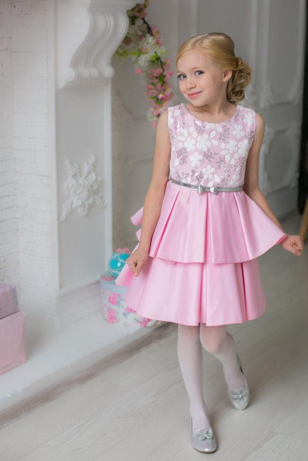 розовое платье +для девочки +в стиле Barbie +с пайетками