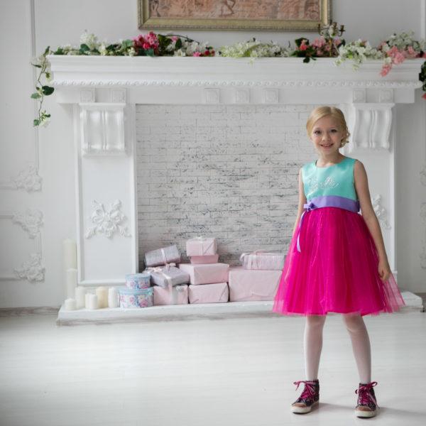 яркое пышное нарядное платье Barbie