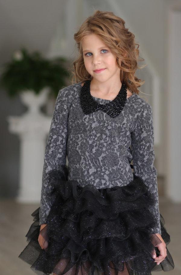 оригинальное нарядное платье +для девочки черное с пышной юбкой