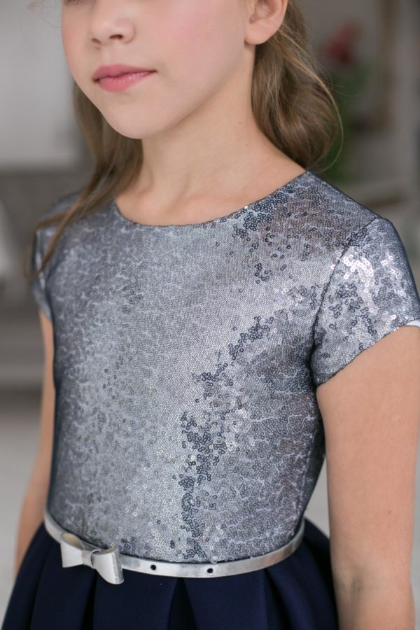 серебряное платье +с пайетками +для девочки Новый год