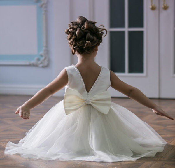 белое бальное платье для девочки с бусинами Ника
