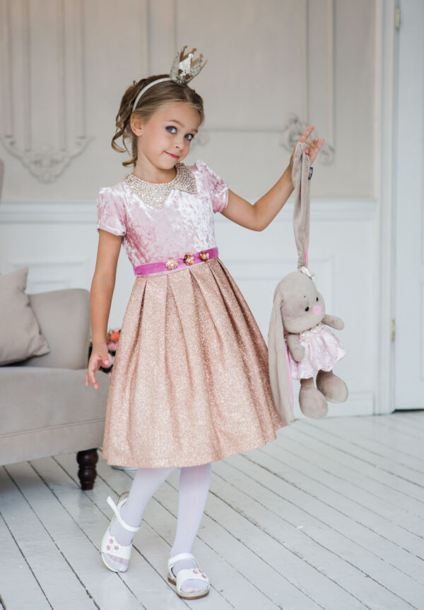 бархатное платье для девочки нарядное с коротким рукавом