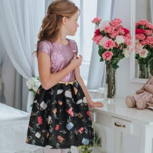 розовое платье с пайетками и с принтом для подростка