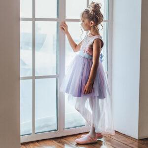 платье со шлейфом для девочкики с фигурной баской