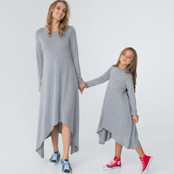 трикотажное платье с длинным рукавом для мамы и дочки