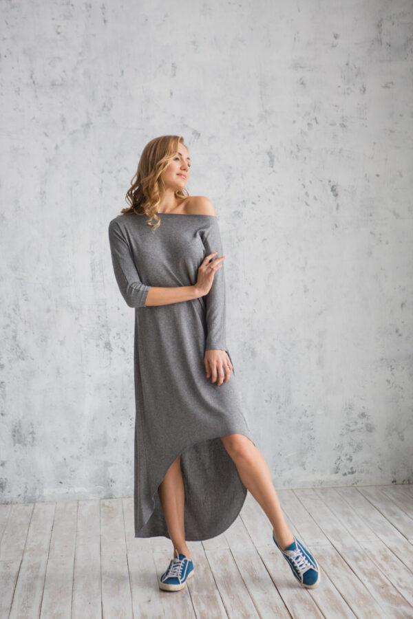 Платье трикотажное женское с удлиненной спинкой серое