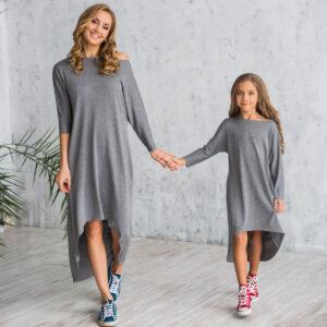 трикотажное платье с удлиненной спинкой