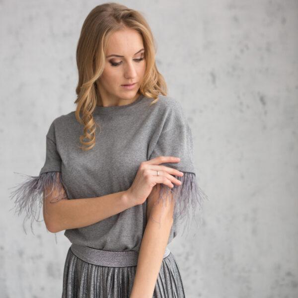 Блузка трикотажная женская с перьями