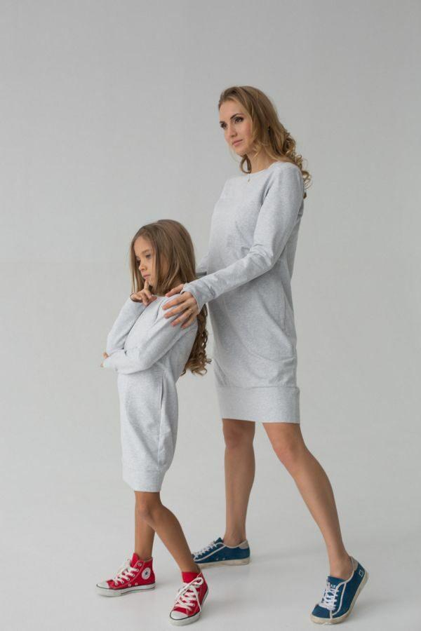 Платье трикотажное короткое для мамы и дочки