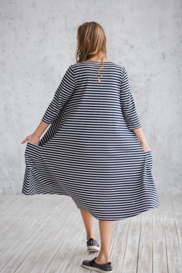 Платье трикотажное женское свободного силуэта в полоску