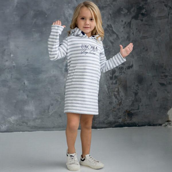 Теплое трикотажное платье для девочки