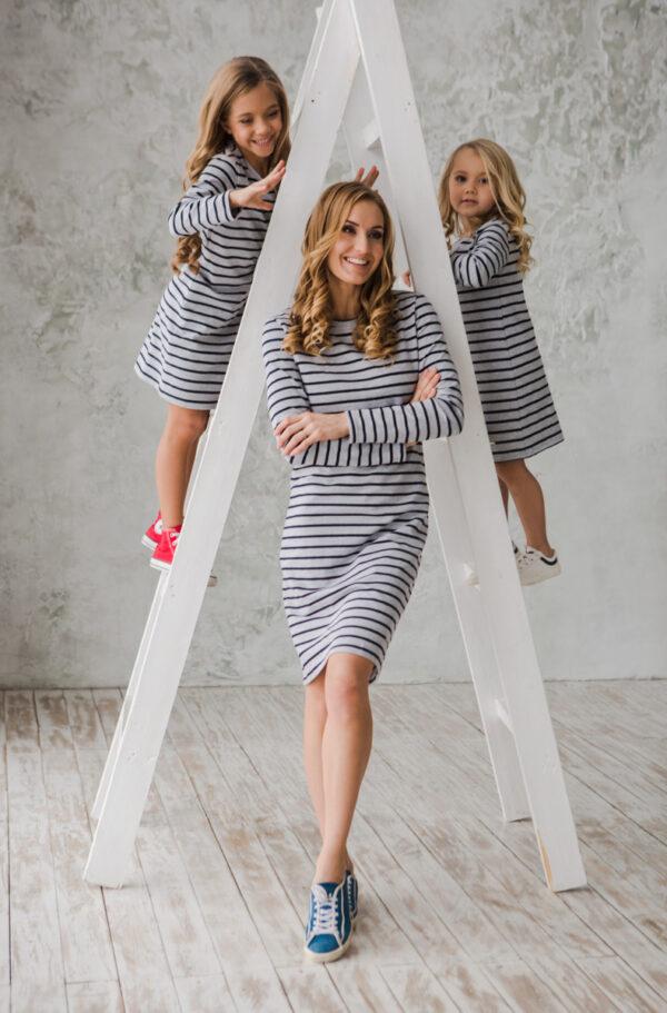 трикотажное платье в полоску для девочки