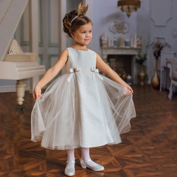 белое нарядное платье с бантами и сеткой для девочки