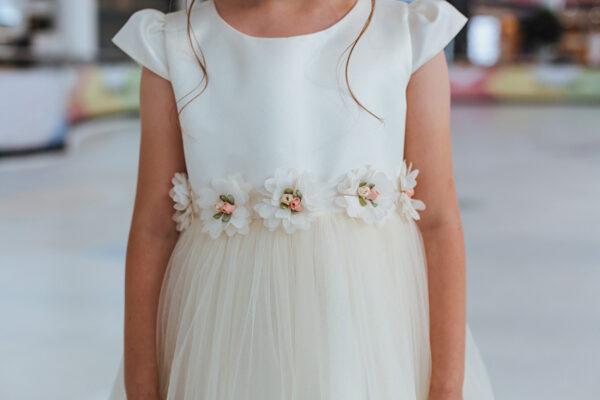 белое кремовое платье для девочки с сеткой и цветами пышное