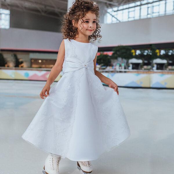 белое праздничное платье для девочки с кружевом