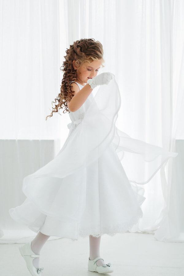 белое праздничное платье для девочки с кружевом и драпировкой