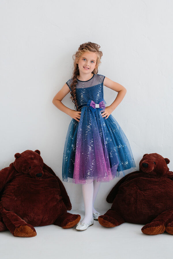 блестящее синее платье для девочки пышное на Новый год