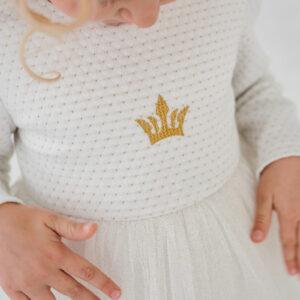 белое платье для малышки с пышной юбкой и длинным рукавом