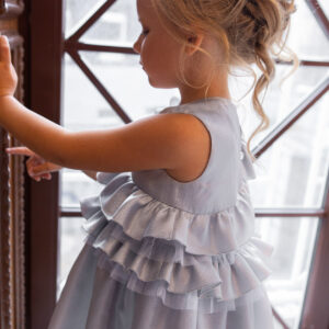 серебряное платье для девочки с воланами